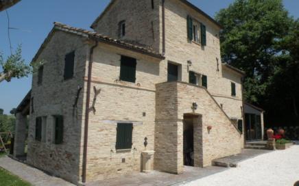 Casa Torre Ostra