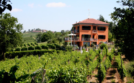 Villa I Due Padroni Montecalvo Versiggia